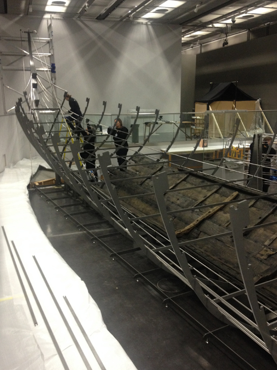 The installation of Roskilde 6 at the British Museum
